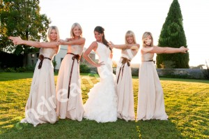 The wedding party girls bridesmaids portrait picture with the photographer