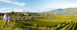 Panoramic photography of the Tuscan countryside during a photo shoot