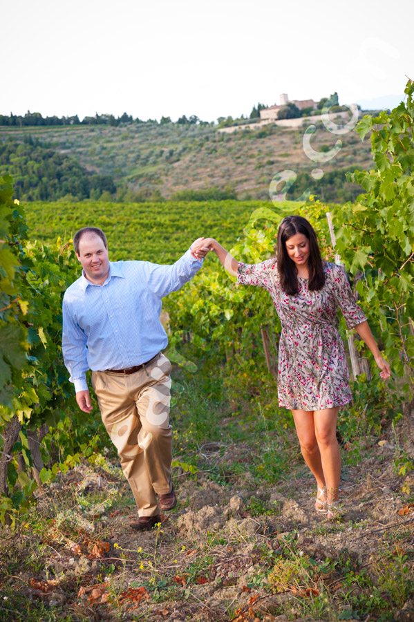 Engagement photo session in Tuscany Italy.