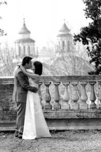 Black & white wedding photography at the Pincio park