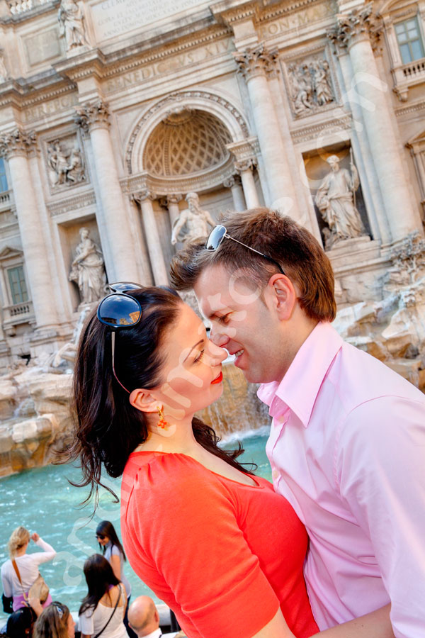 Romance and kissing at the Trevi Fountain