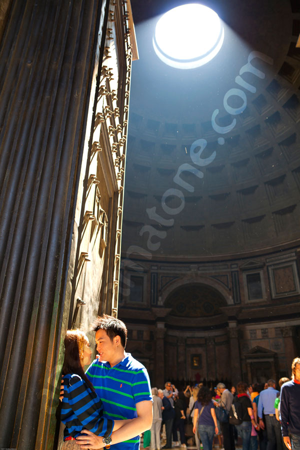 Couple in love at the Roman Pantheon during an engagement session.