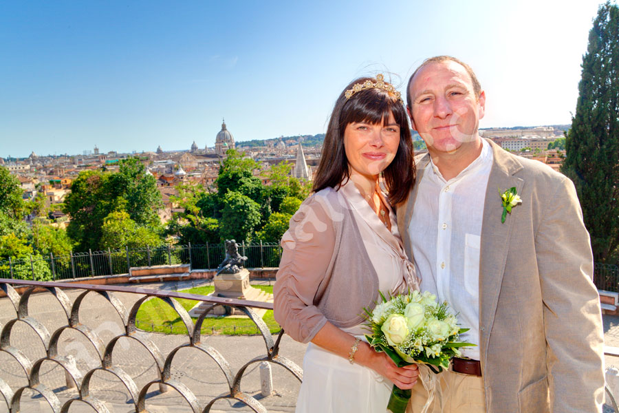 Newlyweds married in Rome Italy at Pincio park overlooking the city
