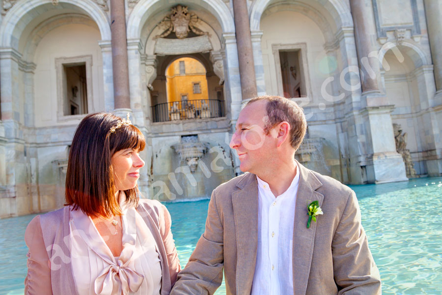 Wedding couple at Fontana del Gianicolo