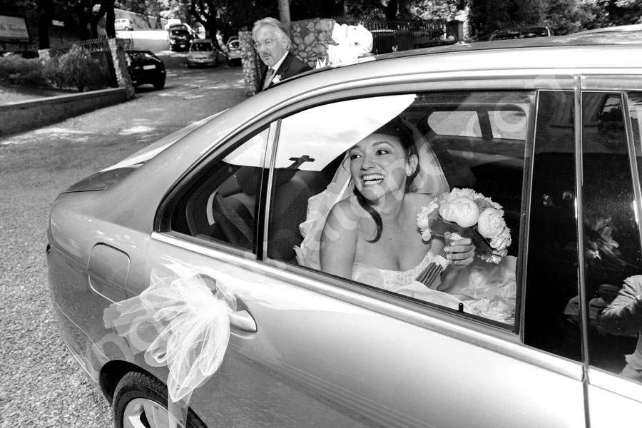 The bride arriving at the Church Frati Capuccini