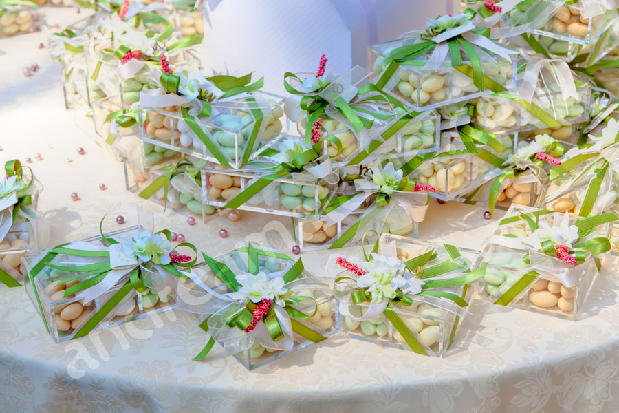 Wedding confetti and favors or favours