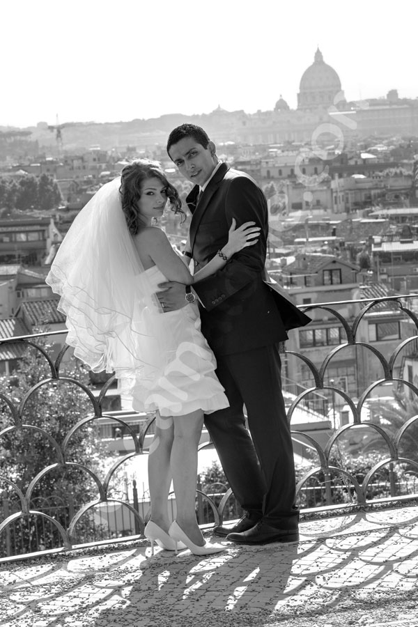 Black and white wedding photography taken by Parco del Pincio