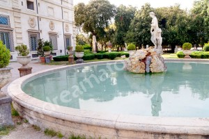 Parco Villa Borghese water fountain behind the museum Rome Italy