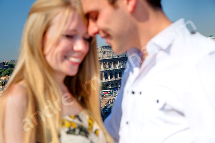 Honeymoon photo shoot in Rome. Romantically in love by the Coliseum