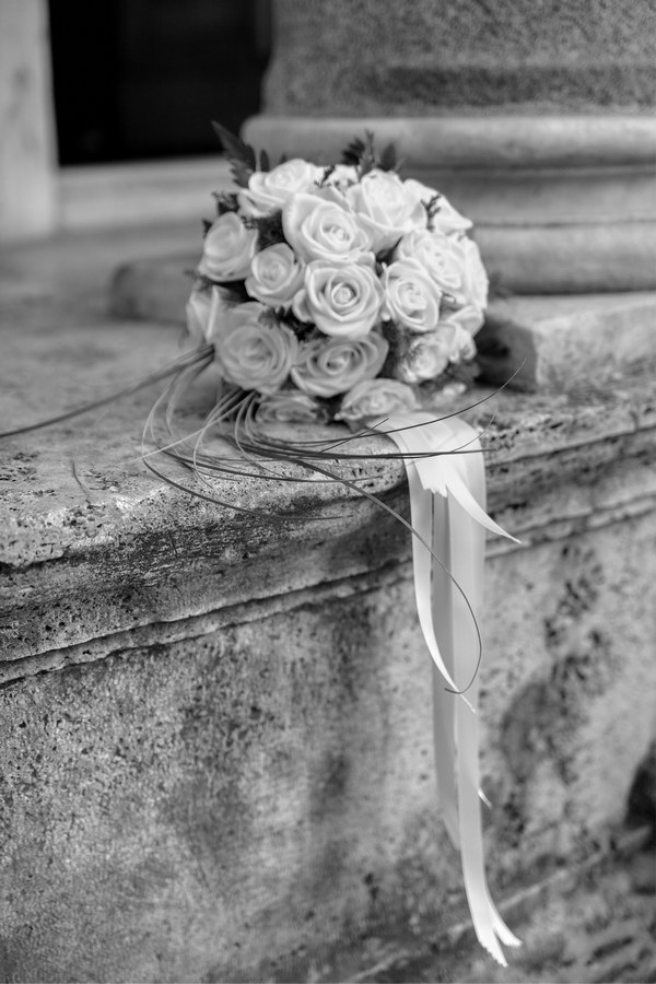 The wedding bride's bouquet in black and white