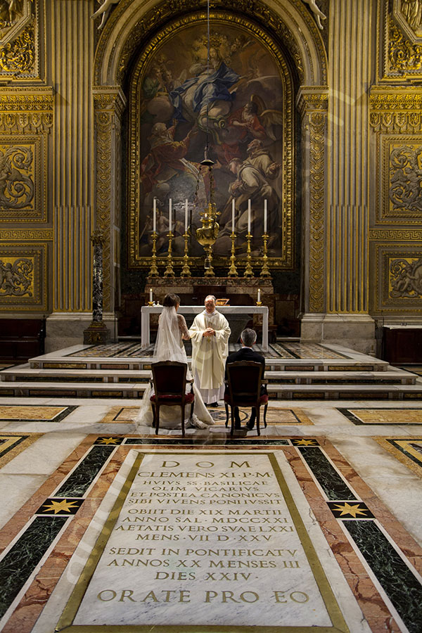 Photographer view of the matrimony being renewed in the Vatican city