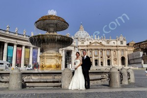 Wedding photo shoot in Rome at the Vatican