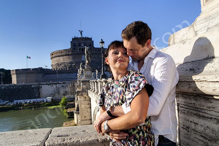 Kissing in love at Castle Sant'Angelo