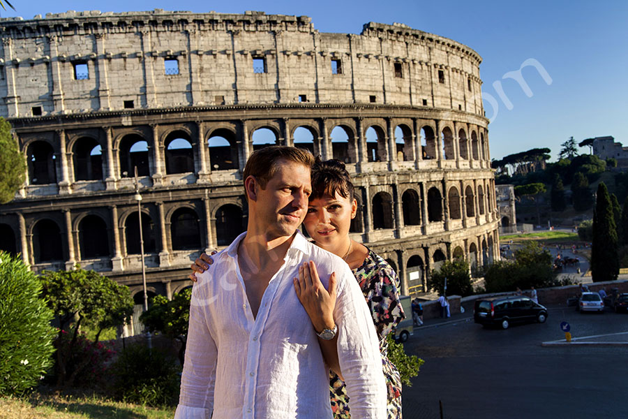Man and woman at the Roman Colosseum