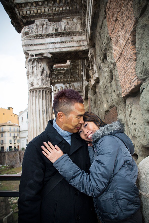 Romantic picture tour around the city under spectacular architecture.