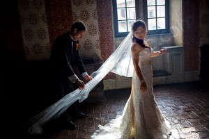 Bride and groom together during the photography session in Italy