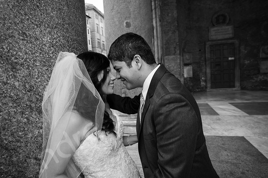 Newlyweds at the Pantheon black and white version.