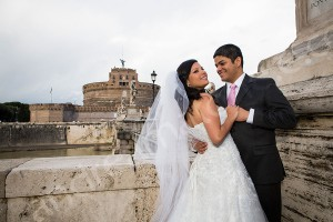 Wedding photo shoot session at Castel Sant'Angelo in Rome Italy