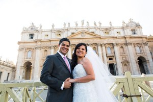Portrait session in Saint Peter's square with the Basilica in the background