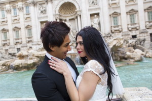 Wedding picture at the Trevi fountain in Rome Italy
