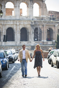 Photo tour around the city of Rome with the Colosseum in the background