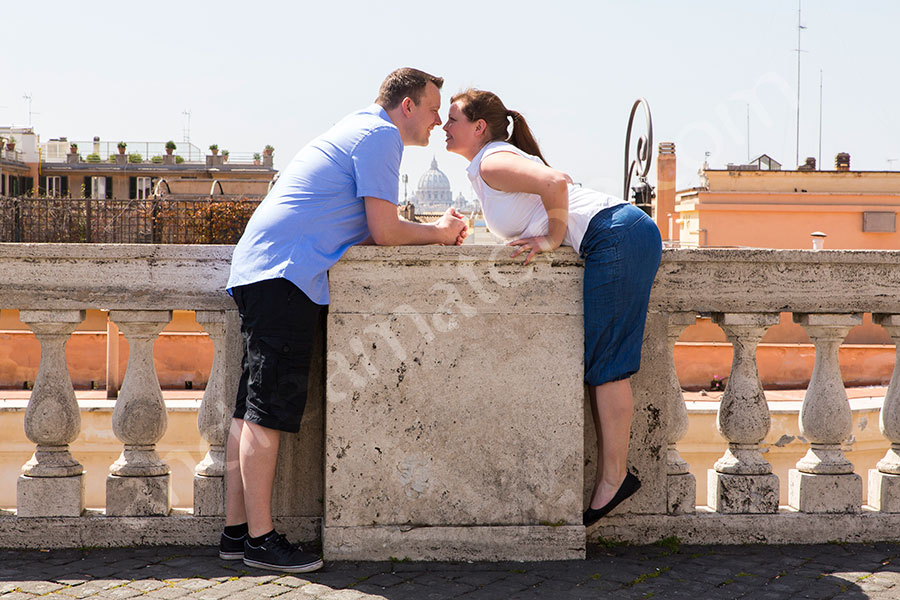 Couple kissing and in love in the Italian city