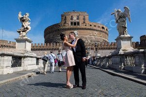 Couple engagement session at Castel Sant'Angelo in Rome Italy