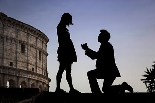 Real surprise wedding proposals photographed in various locations Rome