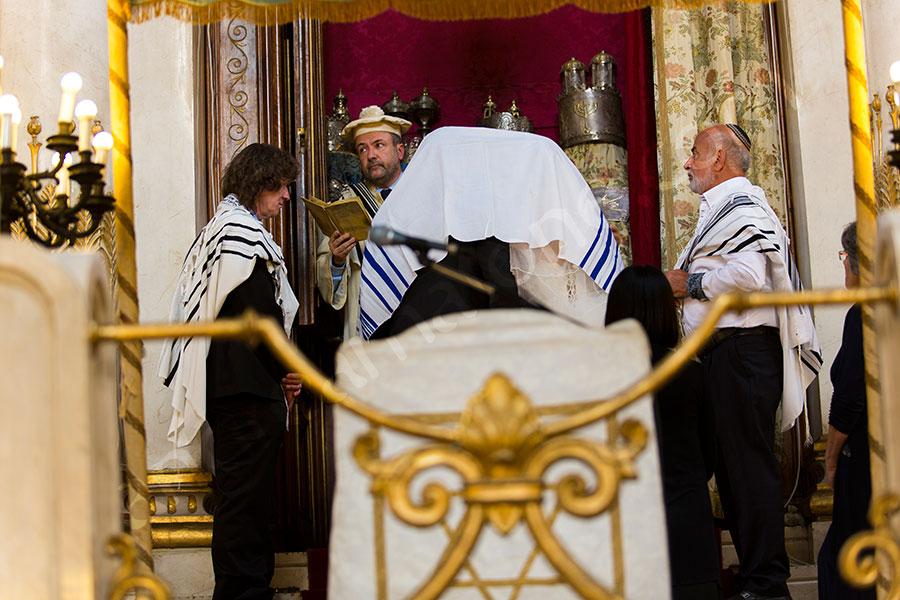 The Jewish matrimonial ritual