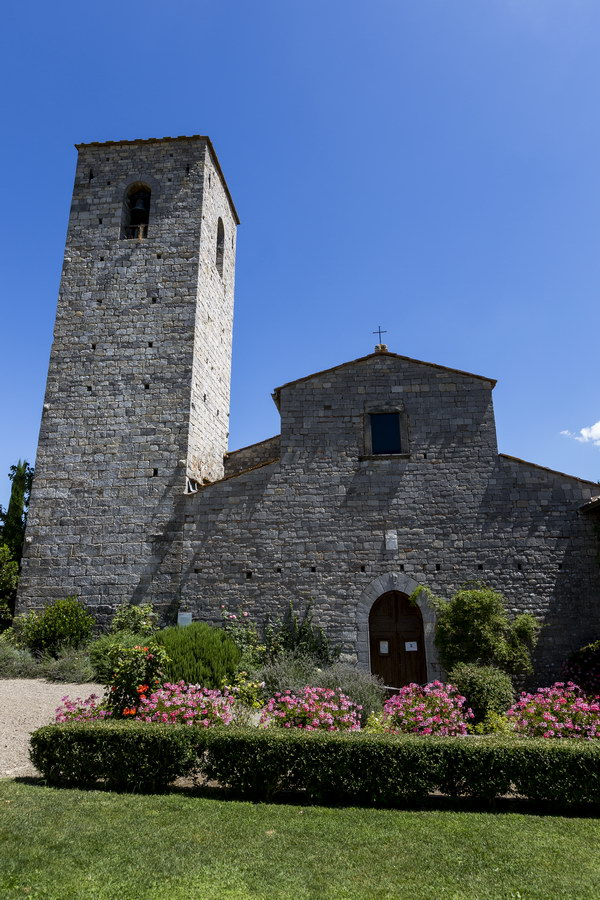 Church outside Castello di Spaltenna in Gaiole in Chianti