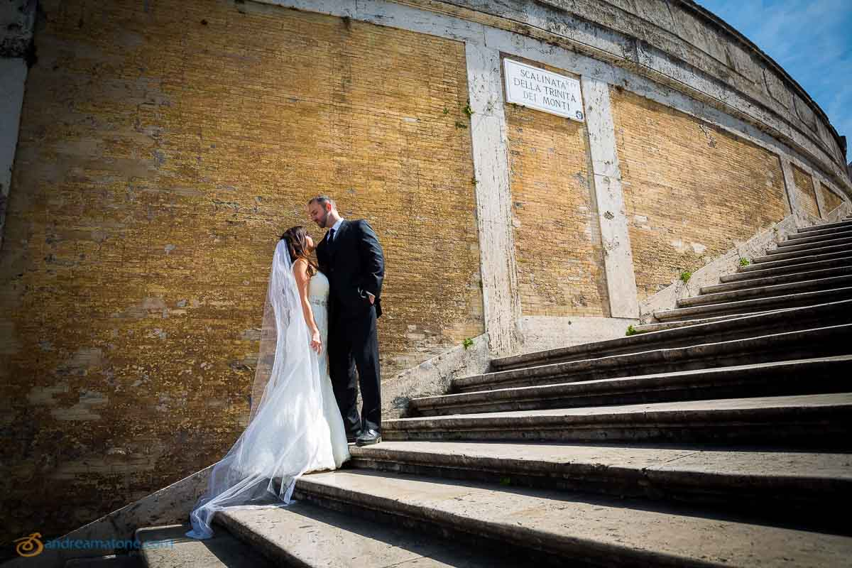 Bride and groom together at the Spaniosh Steps in Rome. Piazza di Spagna.