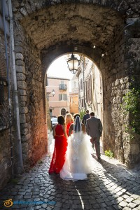The bridal party photographed walking in Palombara Sabina