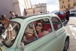 Picture of the bride's mais inside a FIAT 500