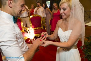 The wedding ring exchange in Italy