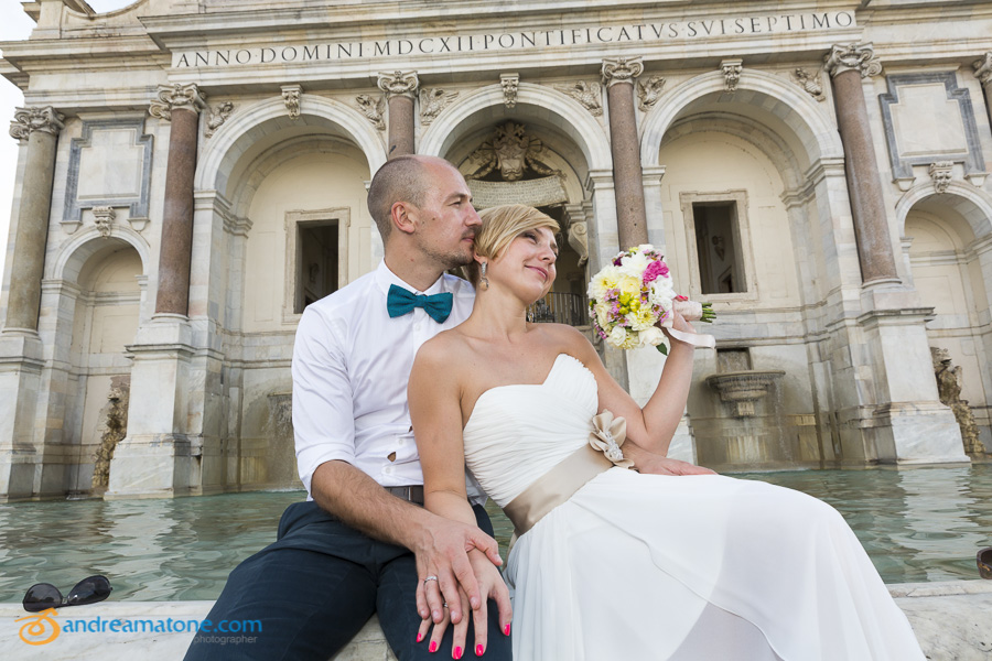 Matrimonial photo shoot at the Gianicolo water fountain.
