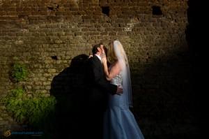 Wedding couple kissing at Giardino degli Aranci in Rome Italy