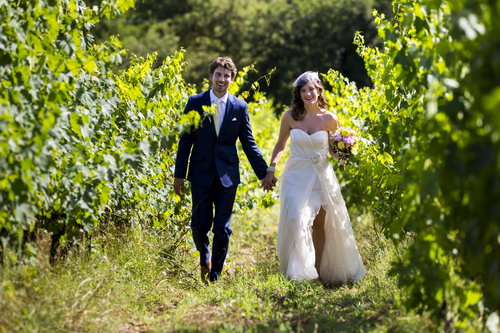 Wedding couple in the Tuscan countryside