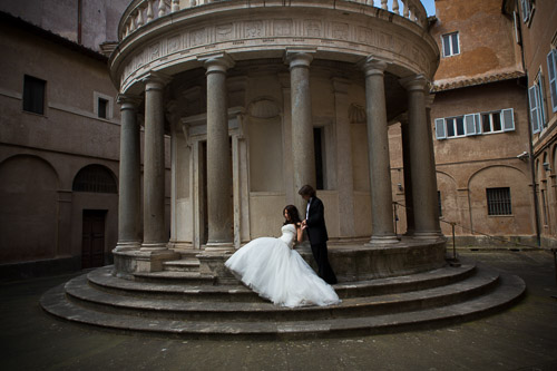 Wedding photography. Chiostro. Rome Italy.