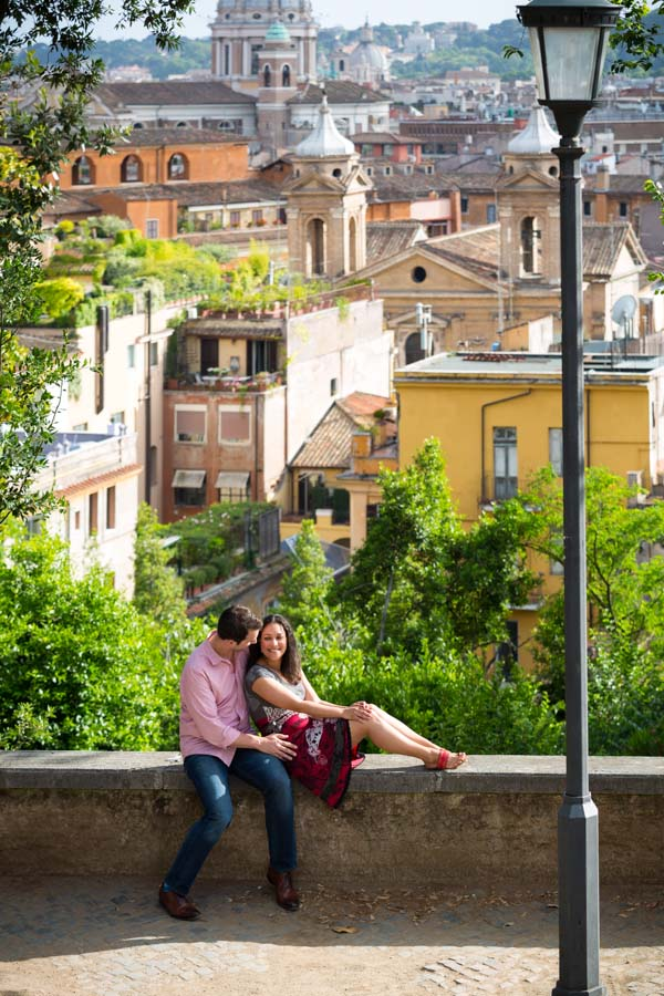 Parco del Pincio. Engagement style photography in Rome.