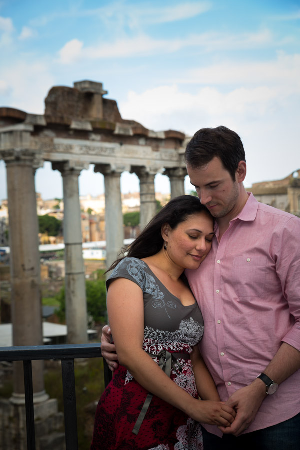 Picture of a couple at the Roman Forum.