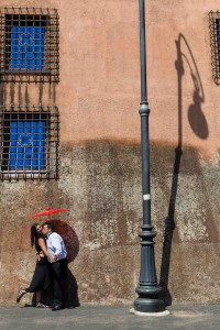 Artistic image of an anniversary photo session in Rome Italy