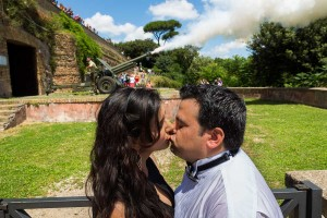 Kissing underneath the canon fire over the city from the Janiculum