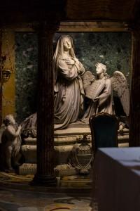 Interior details of S. Francesca Romana church.