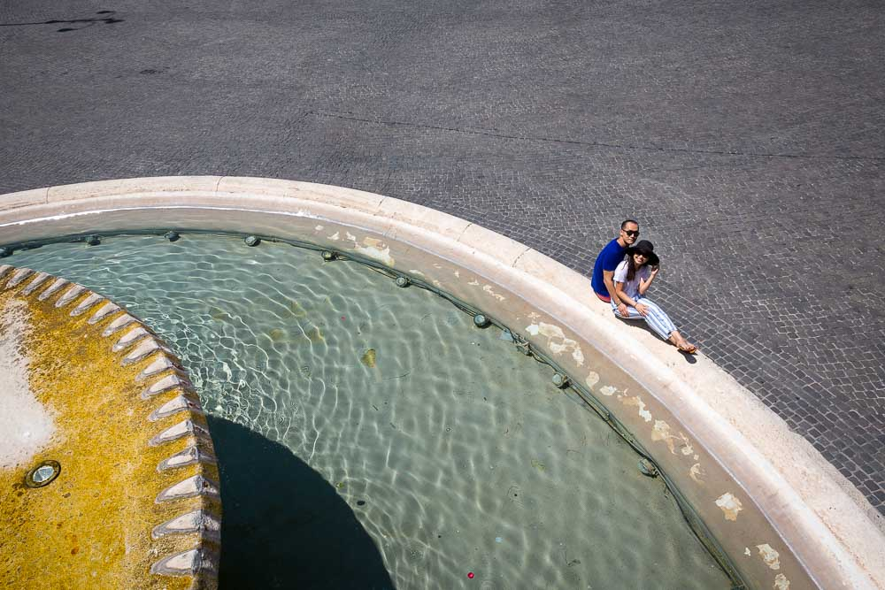 Piazza del Popolo. View from above while sitting down on the water fountain.