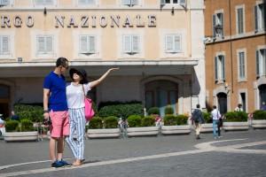 Picture taking a Piazza Montecitorio.