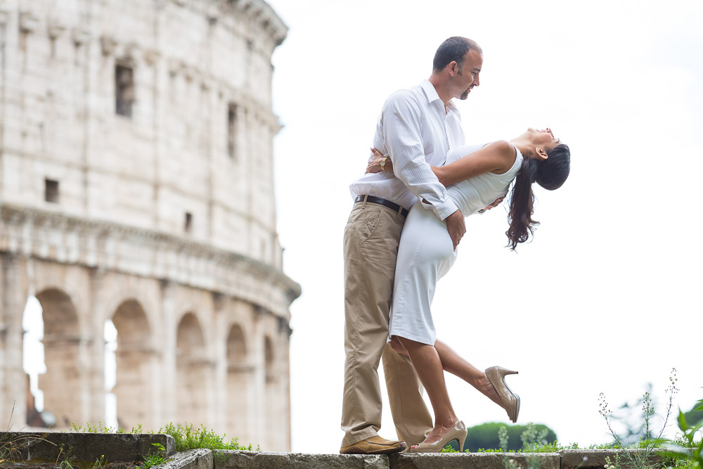 Romance at the Coliseum during a photo session. Rome anniversary.