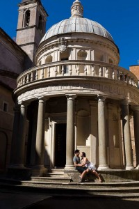 Tempietto del Bramante during an engagement session.