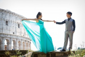 Engagement pre-wedding photography session in Rome Italy at the Colosseum.