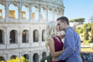 Kissing at the Colosseum.