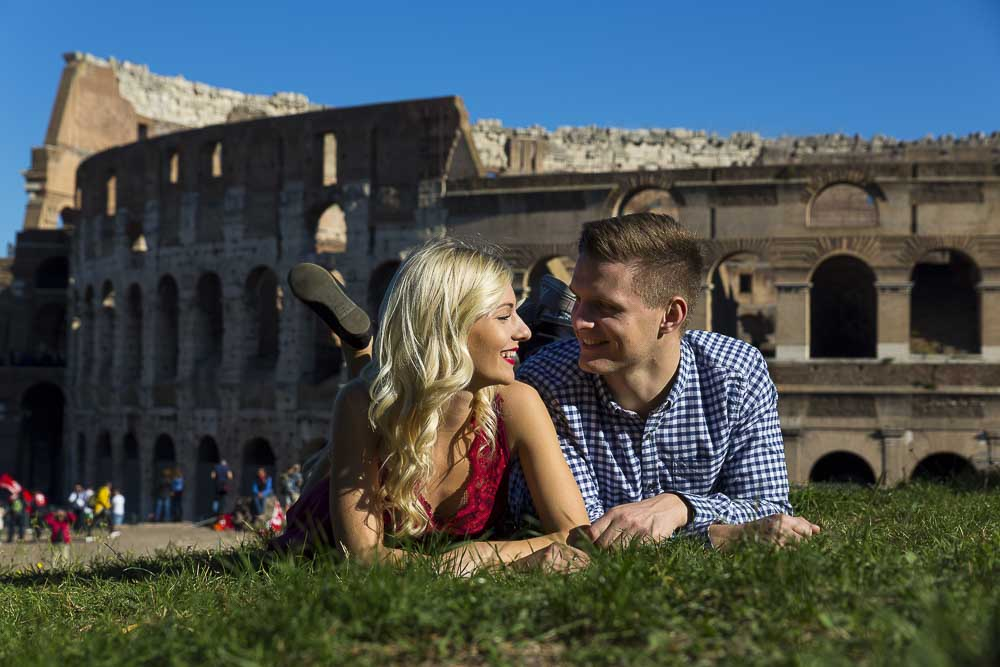 Lifestyle imagery of a couple in Rome.